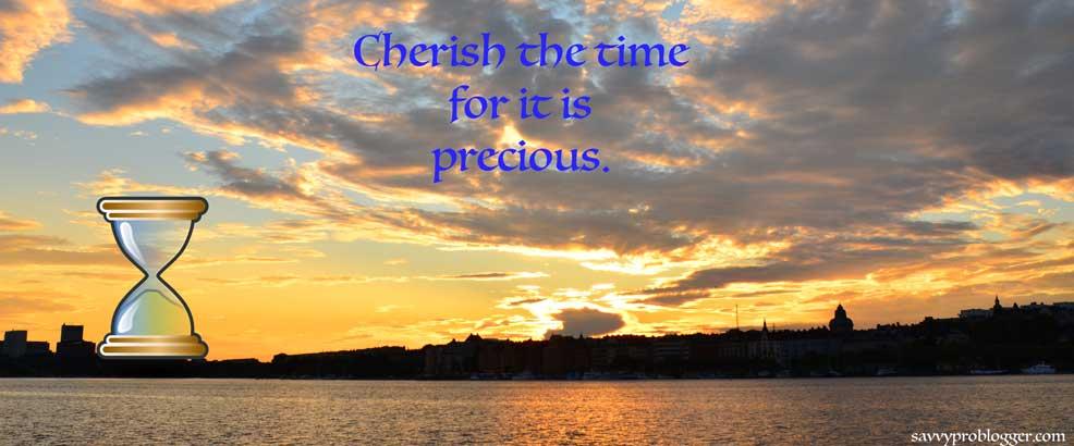 sunset hourglass savvyproblogger